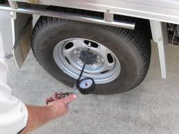 Tips to improve fuel economy, take care of the tires